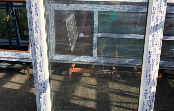 Okno 930×1420