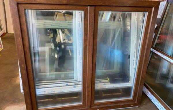 Okno Ořech/bílá 3-sklo 1400 x 1500